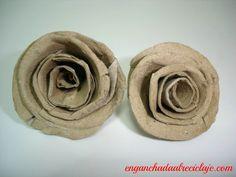 Rosas hechas con tubos de cartón del papel higiénico.