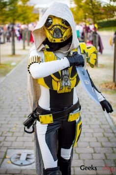 Awesome Hunter - Destiny! MCM London Comic-Con 2014 #Gaming #Cosplay