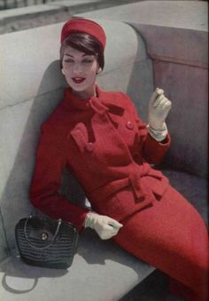Love the Pill Box Hat - trying to make one for myself.    Jean Patou suit / matching pill box hat...love it