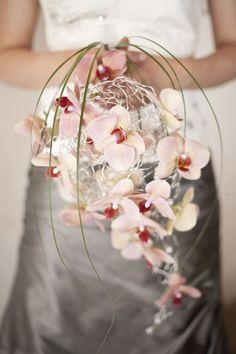 #creativebouquet #bouquet #originalbouquet #orchidbouquet #orchid Bridal Bouquet   Italian wedding destination photographer