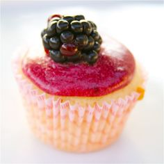CosmoCookie: Mini Vanilla Cupcakes with Blackberry Frosting