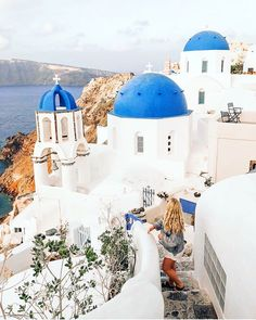 What are the Best Hotels in Santorini? What To Do while on the island? How to get to Santorini? How to avoid the tourist traps? Best Hotels In Santorini, Santorini Travel, Santorini Island, Santorini Greece, Greece Travel, Destinations, Tourist Trap, Greece Islands, Beautiful Places