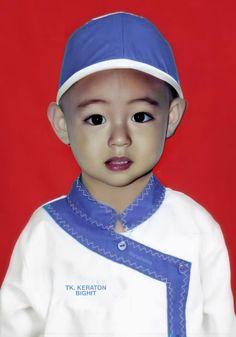 Taehyung Selca, Kim Taehyung Funny, Bts Jungkook, Foto Bts, Bts Predebut, Taehyung Photoshoot, V Bts Wallpaper, Childhood Photos, Bts Face