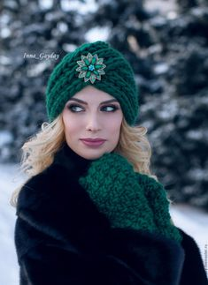 Beautiful Filet Crochet Decoration For Your Table (Pattern – Crochet Filet Crochet Turban, Knitted Headband, Crochet Beanie, Knitted Hats, Knit Crochet, Crochet Hats, Knitting Blogs, Arm Knitting, Knitting Designs