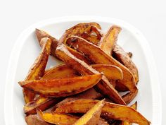 Spicy Sweet Potato Fries Recipe : Food Network Kitchen my go to for sweet potatoes. Spicy Sweet Potato Fries, Making Sweet Potato Fries, Sweet Potato Recipes, Veggie Side Dishes, Potato Dishes, Side Dish Recipes, Food Network Recipes, Cooking Recipes, Healthy Recipes