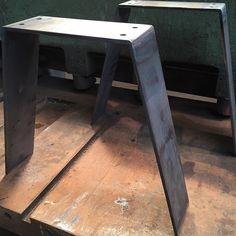 Pieds de table basse pliés #acier #piedsdetable doityourself #tablebasse