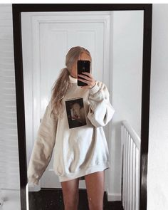 Outfit 🌸🐷💖🎀 (link on story) Lazy Outfits, Cute Comfy Outfits, Teenage Outfits, Mode Outfits, Trendy Outfits, Winter Outfits, Summer Outfits, Girl Outfits, Fashion Outfits