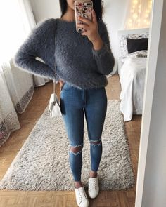"25.3 mil Me gusta, 113 comentarios - Thanya W. (@thanyaw) en Instagram: ""Last outfit of the year - Fluffy sweater: @americandreamsdk *Anzeige"""