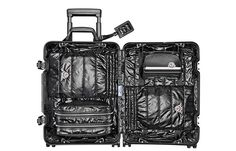 Valise cabine Rimowa x Moncler: Valise garnie de duvet Moncler