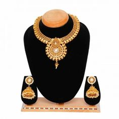 Aaishwarya White Choker Party Necklace Set #necklaceset #fashionjewellery #partynecklace