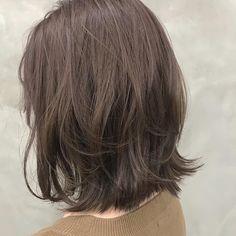 いいね!46件、コメント1件 ― 竹ヶ鼻唯 ショート.レイヤーミディアムさん(@takehanaaaaa)のInstagramアカウント: 「レイヤー度30%の前下がりミディアム🤲✨ 切りっぱなしに飽きた方に、 軽さが欲しい方に、 良く巻く方に、 長さは変えたくないけど雰囲気変えたい方におすすめです #タケハナヘア」 Medium Hair Styles, Short Hair Styles, Short Choppy Hair, Rapunzel, Hair Goals, Hair Inspiration, My Hair, Hair Makeup, Hair Cuts
