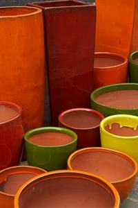 Gallery of Atomic Glazed Pots in various landscapes. Bold Colors, Colours, Gardening Tips, Pots, Indoor, Gallery, Tableware, Inspiration, Interior