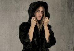 Xetra, giacca lapin e pantaloni in felpa Fur Coat, Jackets, Fashion, Down Jackets, Moda, Fashion Styles, Jacket, Fasion, Fur Coats