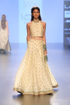 lehangas must like :) https://www.facebook.com/punjabisboutique Indian Ethnic Wear, Indian Attire, Pakistani Outfits, Indian Outfits, Lehenga Designs, Desi Wear, Indian Couture, Bridal Lehenga, India Fashion