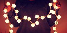24 Formas de decorar tu habitaci�n con la series de luces Navide�as