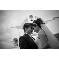 Si han notado no soy tan fan de las b&w. Pero esta me gusto porque ellos lo pueden decir todo sin color.  Yamile&Carlos  #delrecuerdo #blackandwhite #wedding #weddingdresses #weddingphotography #adrianperezbarron #photographer #love #canon