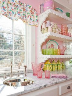 Pink cottage kitchen♥