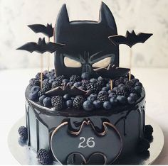 If you could be any superhero who would you be regrann from 🖤 chocolate batman superhero cake layercake… Pretty Cakes, Cute Cakes, Batman Cakes, Superhero Cake, Drip Cakes, Fancy Cakes, Creative Cakes, Celebration Cakes, Cake Art