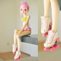 Spent all day making these roller skates - I love roller skates They turned out pretty okay, but they sort of look like a child made them Any one watch Boogie Nights before? Anime Dolls, Ooak Dolls, Barbie Dolls, Pretty Dolls, Beautiful Dolls, Kawaii Doll, Realistic Dolls, Doll Painting, Smart Doll