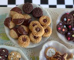 Hummingbird Miniatures: Cookies