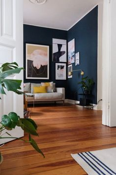 Home Living Room, Apartment Living, Living Room Designs, Living Room Decor, Home Office Design, House Design, Red Floor, Colourful Living Room, Blue Rooms