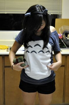 Cheap DIY Totoro costume I want the shirt! I think it'd be fun to be Totoro for character day...