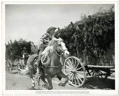 Roy Rogers and Trigger.love that vintage horse tack. Long Fade, Republic Pictures, Dale Evans, The Virginian, Roy Rogers, Happy Trails, Weird Pictures, Old Tv, Old West
