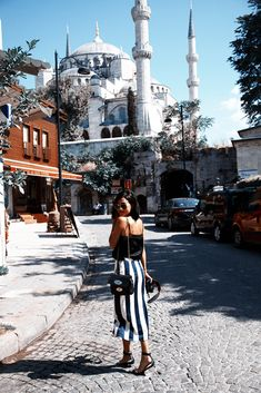 Nicole Warne in Istanbul. Mode Inspiration, Travel Inspiration, Couple Travel, Gary Pepper Girl, Foto Pose, Adventure Is Out There, Looks Style, Wanderlust Travel, Mode Style