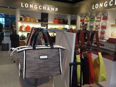 Hagenow - Flughafen Hamburg Longchamp Tasche