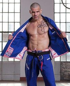 Grips bushido limited edition gi.  100% japanese cotton, and tripple reinforced.  Sold at BushidoWarehouse.com