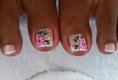 Uñas Cute Toe Nails, Cute Toes, Pretty Nails, Pedicure Nail Art, Toe Nail Art, Feet Nails, Toenails, Magic Nails, Flower Nails