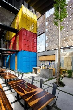 A Hotel For Backpackers With Shared Bedrooms Inside Shipping Containers Container Buildings, Container Architecture, Architecture Plan, Architecture Drawings, Sea Container Homes, Shipping Container Homes, Shipping Containers, Container Houses, Hostels