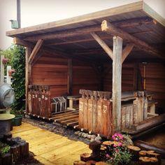 Utestue laget av gamle laftestokker. Firewood, Pergola, Outdoor Structures, Garden, Pictures, Crafts, Photos, Woodburning, Garten