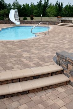 highland free standing wall building around a pool with 3in 6in sizes
