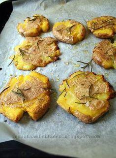 Patate al forno, schiacciate e croccanti