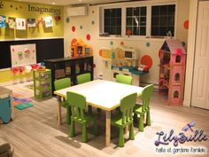Such a cute playroom Preschool Rooms, Daycare Rooms, Home Daycare, Playroom Organization, Playroom Decor, Playroom Ideas, Daycare Setup, Daycare Ideas, Toddler Playroom