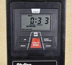 BH Fitness Styling R320 maquina de remo plegable. Freno magnético. Volante de inercia 5,5 kg. Monitor LCD. Ruedas de transporte. Acabado en madera.                  Features  Plegado rápido y sencillo. No requiere ensamblaje. Soluciona los problemas de espacio. Inclinación constante de la es... http://gimnasioynutricion.com/maquinas/remo/bh-fitness-remo-styling/