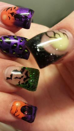 Haunted house bats and cat eyes! Haunted house bats and cat eyes! Source by aprillogea Holiday Nail Designs, Halloween Nail Designs, Halloween Nail Art, Cute Nail Designs, Halloween Costumes, Seasonal Nails, Holiday Nails, Christmas Nails, Hot Nails
