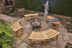 Fire Pit Bench, Fire Pit Seating, Fire Pit Area, Fire Pits, Curved Outdoor Benches, Curved Bench, Outdoor Fire, Fire Pit Landscaping, Fire Pit Backyard