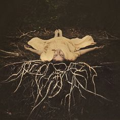 Interview: Finding Beauty in Darkness with Brooke Shaden - My Modern Met