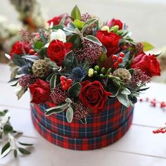 Christmas Hat Box Our hugely popular tartan hat box has been given a Christmas twist! Christmas Flower Arrangements, Artificial Flower Arrangements, Christmas Flowers, Beautiful Flower Arrangements, Christmas Centerpieces, Artificial Flowers, Floral Arrangements, Christmas Wreaths, Christmas Decorations