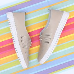 👟Oviedo - piele naturala 👉www.custill.ro Adidas Stan Smith, Adidas Sneakers, Shoes, Fashion, Oviedo, Moda, Zapatos, Shoes Outlet, Fashion Styles