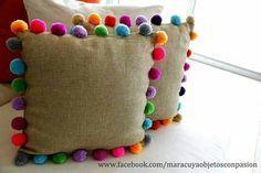 Trends: Pom pom - Me (Lele) and the Children - DIY Home Crafts, Diy Home Decor, Diy And Crafts, Crafts For Kids, Arts And Crafts, Preschool Crafts, Pom Poms, Pom Pom Garland, Diy Pillows