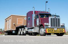 Peterbilt 389 Love's truckstop Ft Pierce Florida. Feb 2015