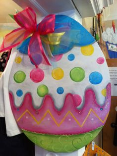 Easter egg door decor by michelleschulten on Etsy Easter 2015, Easter Art, Easter Crafts, Easter Eggs, Easter Decor, Easter Projects, Craft Projects, Spring Crafts, Holiday Crafts
