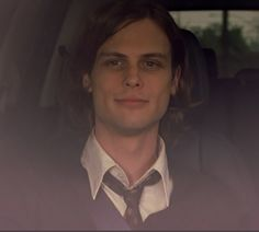 "Meanwhile, Reid and Hotch head to Connecticut to interview a death row inmate before his execution. Here are screencaps of Matthew Gray Gubler in ""Damaged"".  3/14"