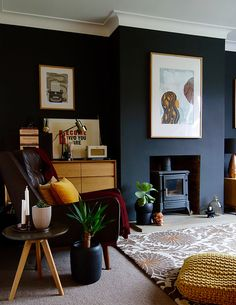 A Living Room Update &; making spaces A Living Room Update &; making spaces Alayna Melton New House My black living room gets an update before […] Living Room Dark Living Rooms, Living Room Update, Living Room Modern, Home Living Room, Living Room Designs, Living Room Decor, Dining Room, Cottage Living, Small Living
