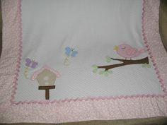 Manta para bebê em tecido matelassê (100% algodão)  Pode personalizar com o nome do bebê    Fazemos em outras cores e temas.    Medida 1,00X80cm