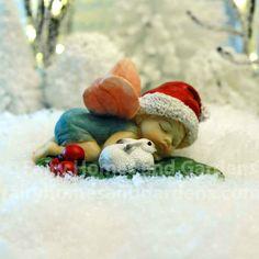 Christmas Fairy Baby Sleeping with Tiny Bunny Tiny Bunny, Baby Bunnies, Bunny Rabbit, Christmas Fairy, Christmas Themes, Miniature Christmas, Christmas Crafts, Baby Mine, Fairy Figurines