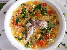 Ciorbă de pui cu zdrenţe de ou Romanian Food, Cheeseburger Chowder, Bacon, Food And Drink, Meals, Chicken, Cooking, Knits, Soups